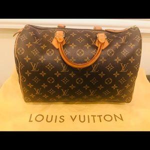 Louis Vuitton Classic Speedy 35 Monogram
